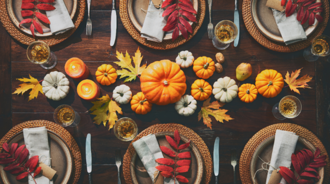 Thanksgiving-Dinner-Table-Set-Pumpkin-Centerpiece-Where-to-Eat-Thankgiving-Texas-Park-Place-Finance
