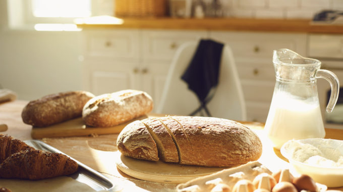 Fresh-Baked-bread-at-home-on-kitchen-table
